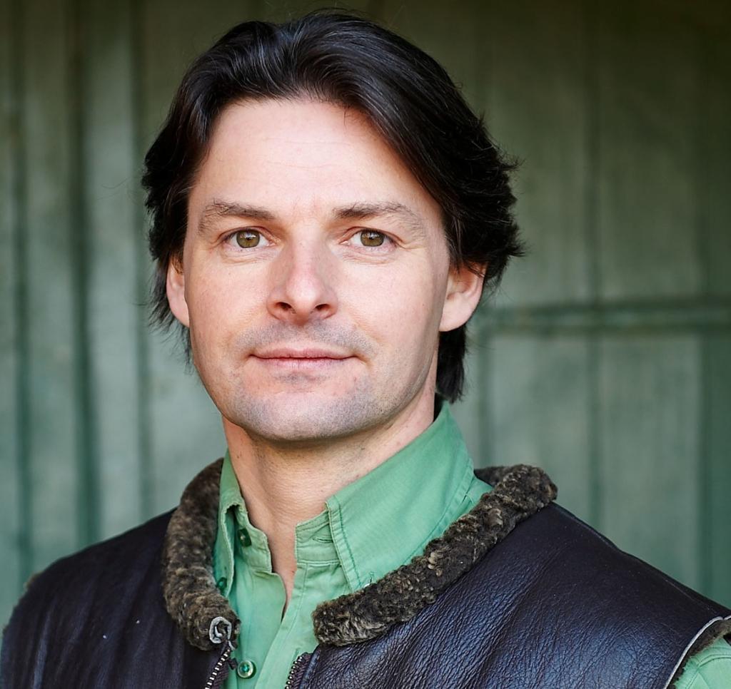 Competition win tickets to House & Garden Festival 2018: Edward Bulmer Speaker