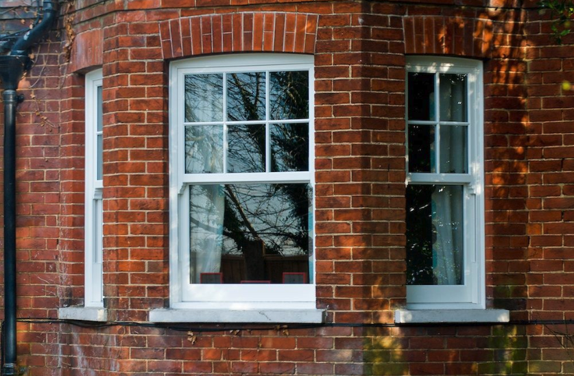 Edwardian-style sash windows renovate a house