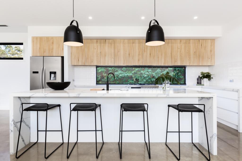 kitchen design Large luxury kitchen with marble island bench
