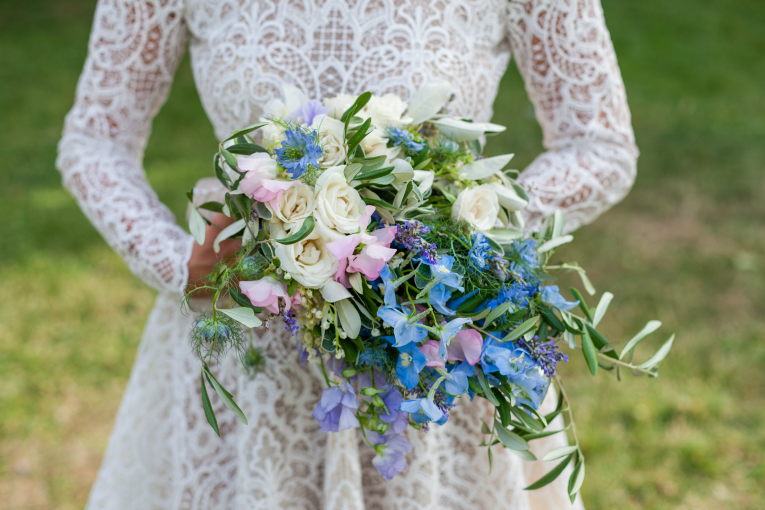 ANDREA DUTTON BOUQUET Hybrid flowers interview