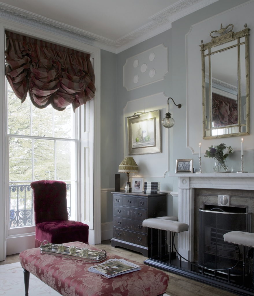 018 FORMAL LIVING ROOM REGENTS PARK TOWNHOUSE BY HENRY PRIDEAUX interior designer