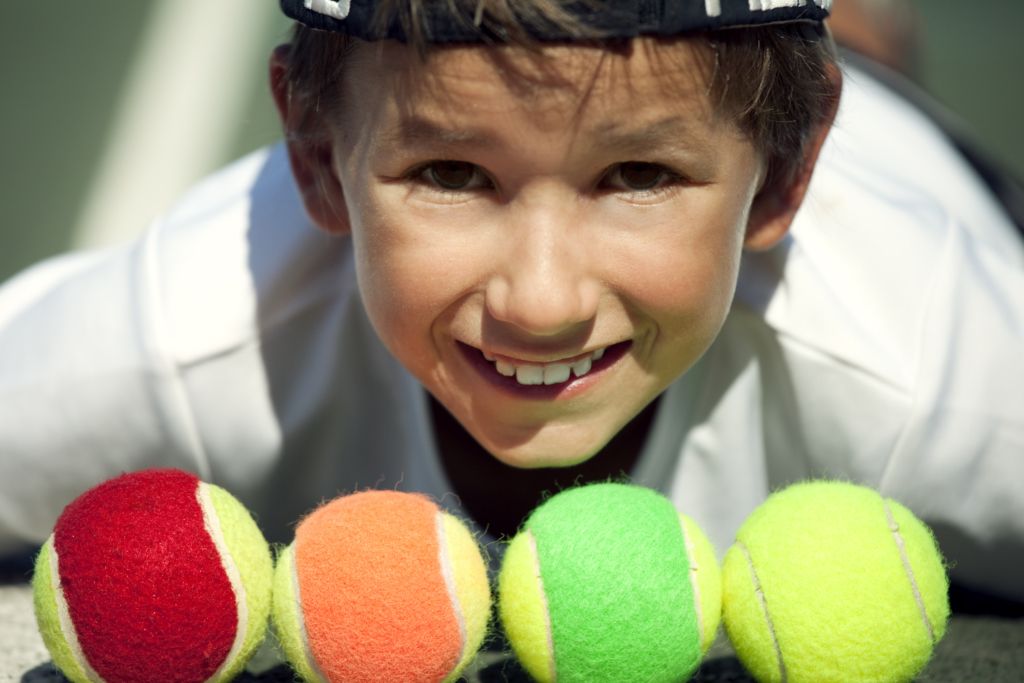 How to play tennis Mini tennis player