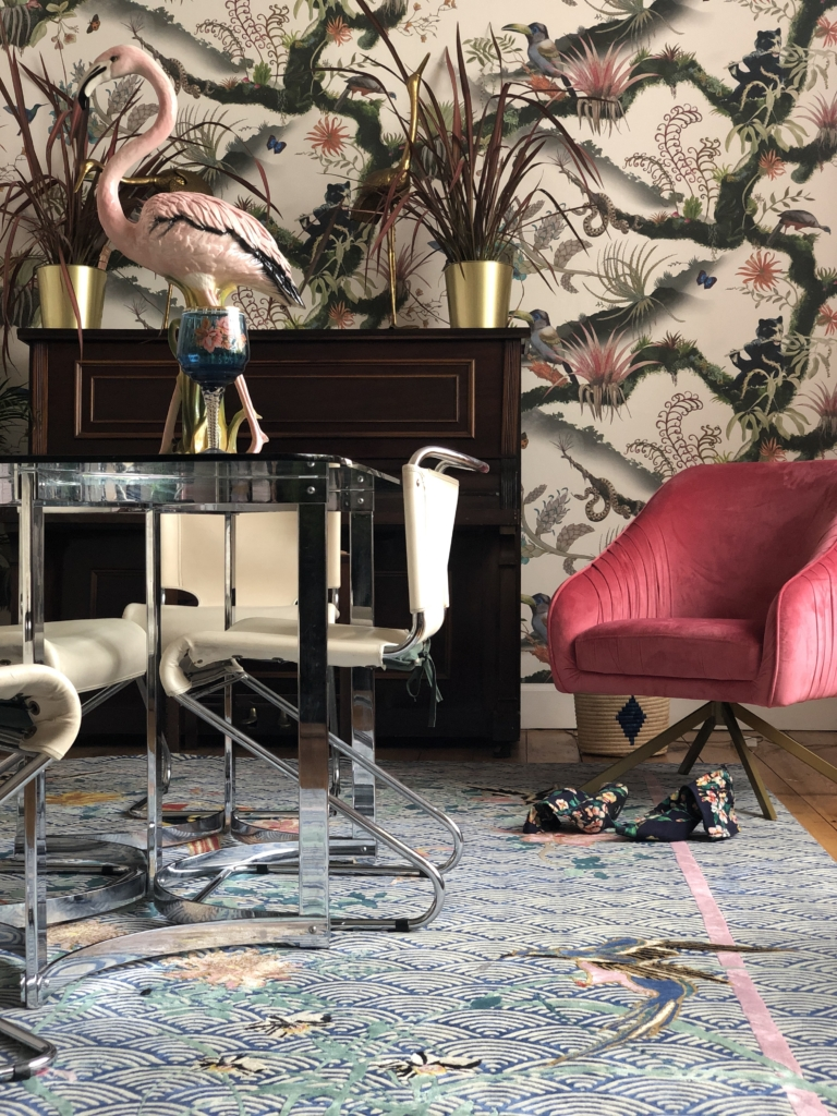 designer rugs Wendy Morrison example with pink flamingo