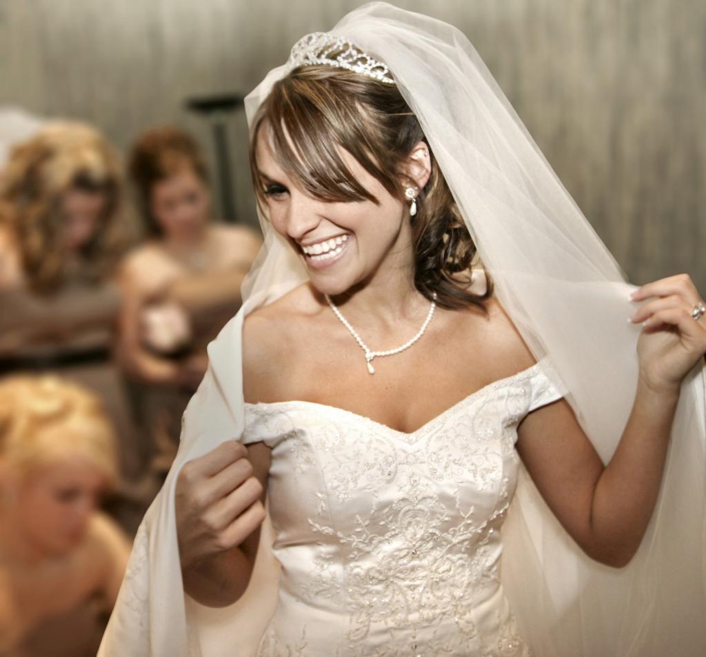 winter weddings Beautiful Bride Smiling White Teeth Wedding Dress